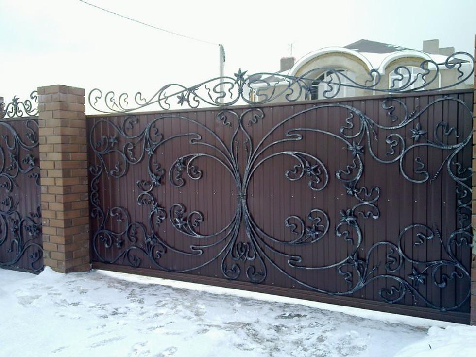 обшивка откатных ворот ковкой